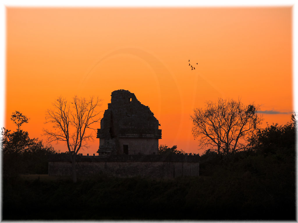 El Caracol at sunset II